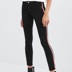 Zara Low Rise V Yoke  black jeans denim